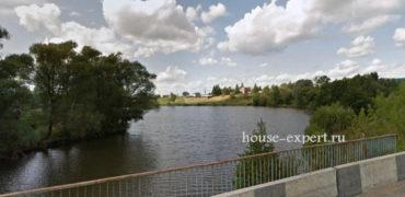 Дом с участком на берегу пруда, Ненашево