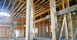Участок 30 соток со строением 500 кв.м для торговых помещений, удобный подъезд, свет, газ